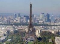 Switching supplier in France is not just restricted to individuals - the Paris landmark has too