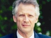 Dominique de Villepin is not guilty of involvement in the Clearstream plot, an appeal court said