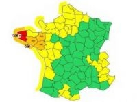 Forecasters put Finistere on red alert