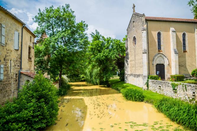 Village of Fourcès (Gers)