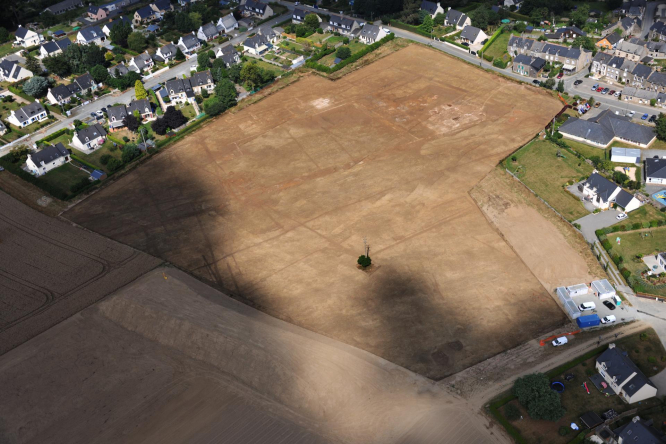 An aerial view of the Langrolay-sur-Rance villa site with baths top centre