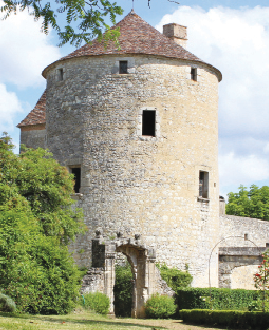 The Château de Montaigne has a 14th century tower in its grounds (above) which contains Michel de Montaigne's library.