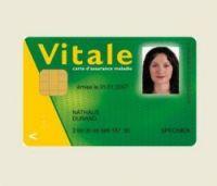 "cartes vitales should be easily renewable at ""bornes"" in pharamcies"