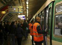 Girls wreak havoc in Metro muggings