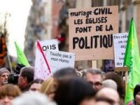 Marchers support gay marriage in Toulouse - Photo: Pierre Selim-Flickr