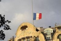 Flags at half mast as three days of mourning for AH5017 victims begins in France