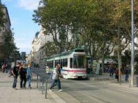 Crossing the street in Saint Etienne (illustration)
