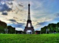 Children will have picnic under Eiffel Tower