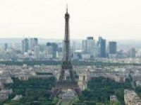 Authorities in Paris crack down on illegal holiday rentals