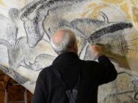 Gilles Tosello recreates the horse heads