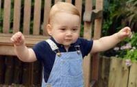 Prince George reigns supreme in stylish French outfit