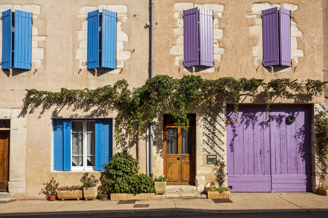 Facade of a traditional building in Provence