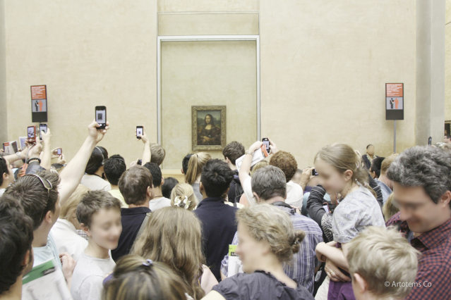 Crowd at the Louvre Mona Lisa