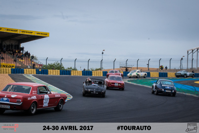 Classic cars on racetrack with left-right chicane