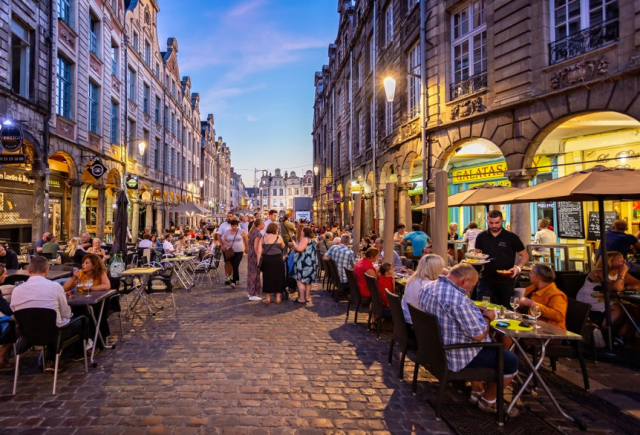 French cafes at night