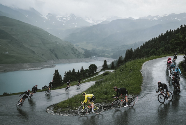 cyclists in Alps