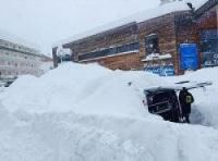 Highest avalanche alert at Pyrenees resorts as more than a metre falls in some areas