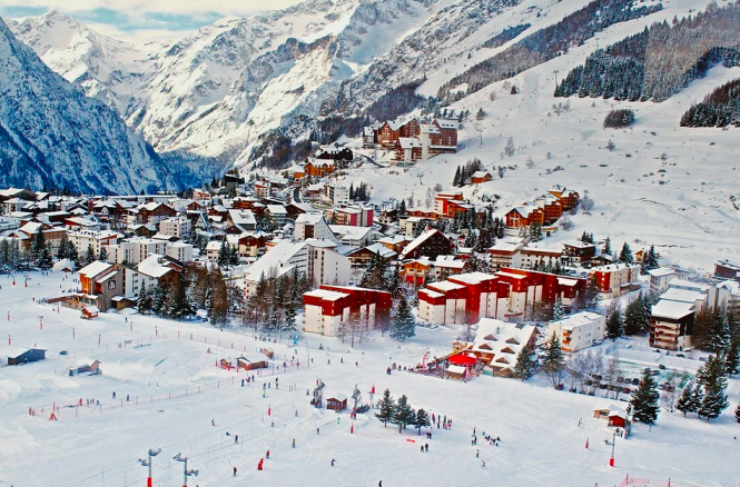 A French ski station. French ski lifts closure confirmed for early February
