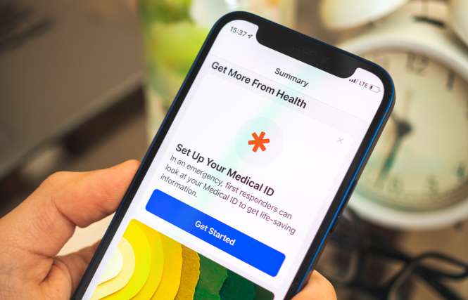Add medical ID on smartphone. How to save medical info for French emergency services to use on phone