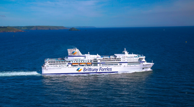 Travelling UK to France by ferry: what are the options?
