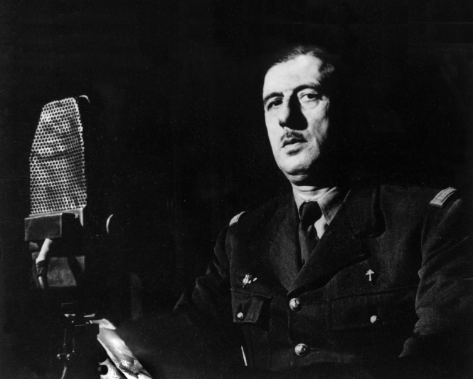 Charles de Gaulle at the microphone for one of his Radio Londres broadcasts.