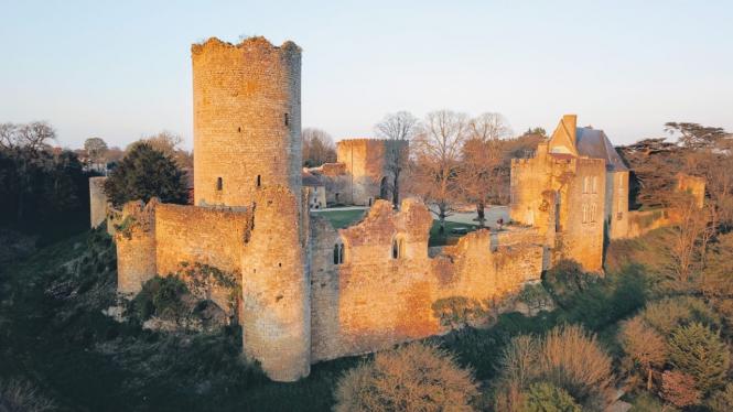 The Château Montreuil-Bonnin.