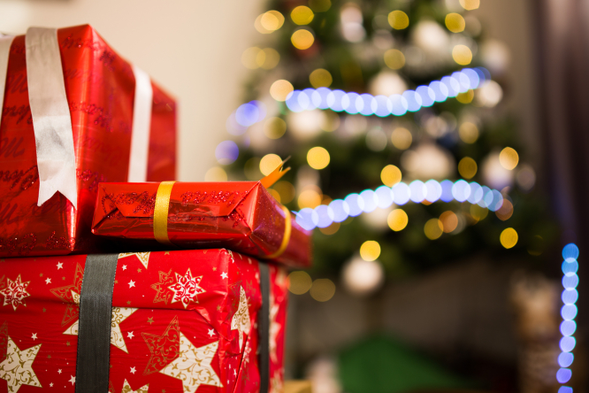 Christmas Day In France.Last Day To Send Christmas Parcels By La Poste