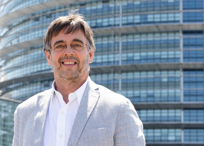 Damien Carême, the mayor tackling climate change, unemployment poverty and much more. (c) european parliament.
