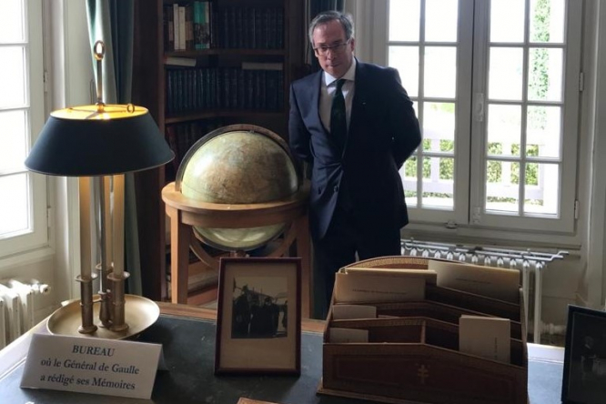 Ed Llewellyn in General de Gaulle's home office. Connexion October print edition.