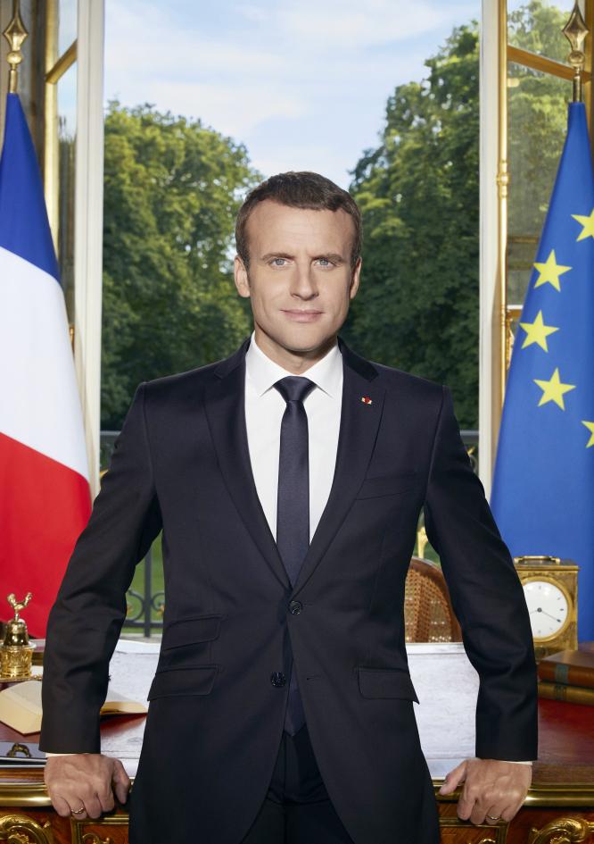 Emmanuel Macron official portrait 2017