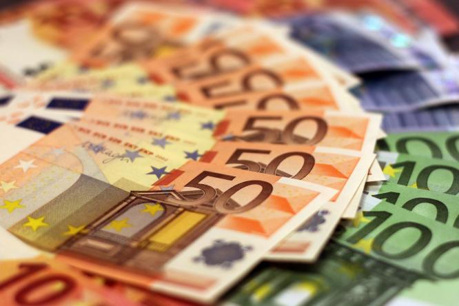fan of euro notes