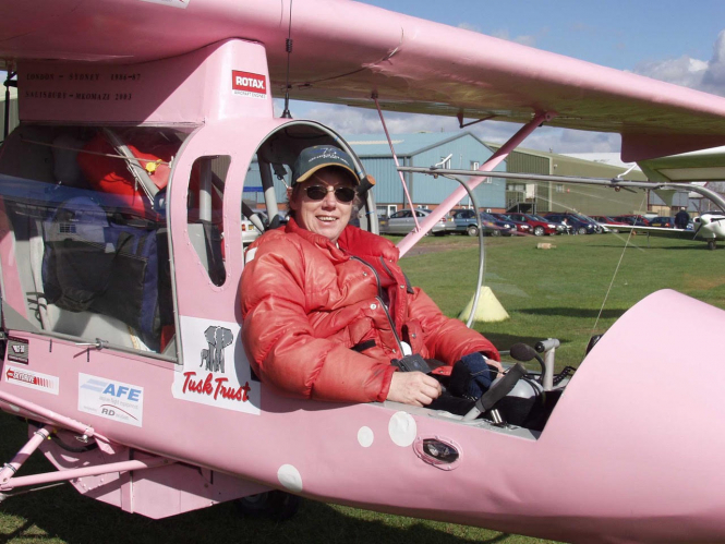 An image of tourist Eve Jackson in her pink plane