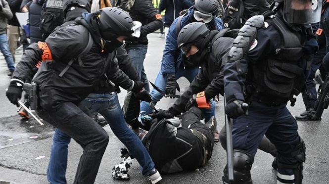 United Nations places France on police violence list