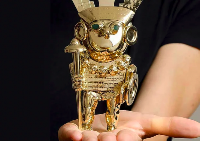 Hidden statue made of gold and emeralds. Book offers clues to find hidden treasure worth €50,000 in France