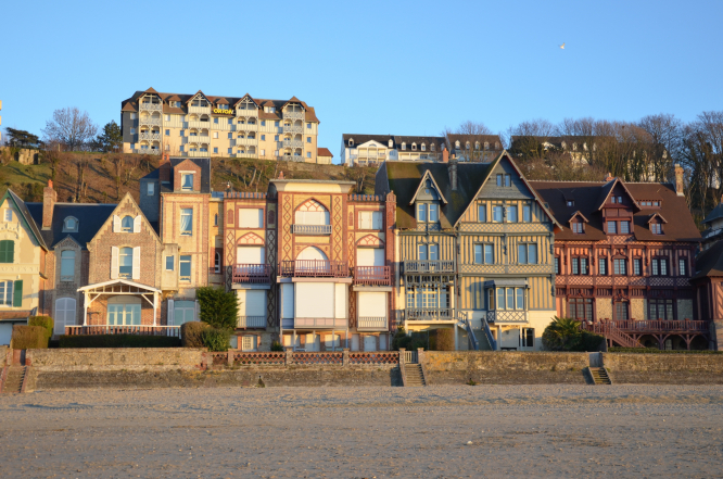 How the 'nouveau riche' built grand villas to display their wealth in Trouville-sur-Mer, France. Photo (c) Kevin THIBAUD - OT Trouville-sur-Mer.