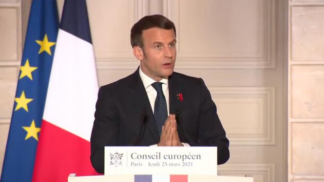 President Macron speaks at the European Commission