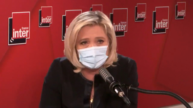 Marine Le Pen talking to FranceInter. Marine Le Pen pledges immigration referendum despite fall in numbers