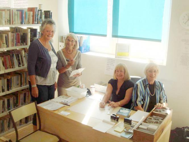 Montaigu-de-Quercy English library