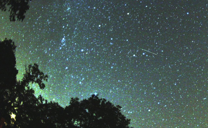 Perseid meteor shower firebolt leaves Islanders in awe