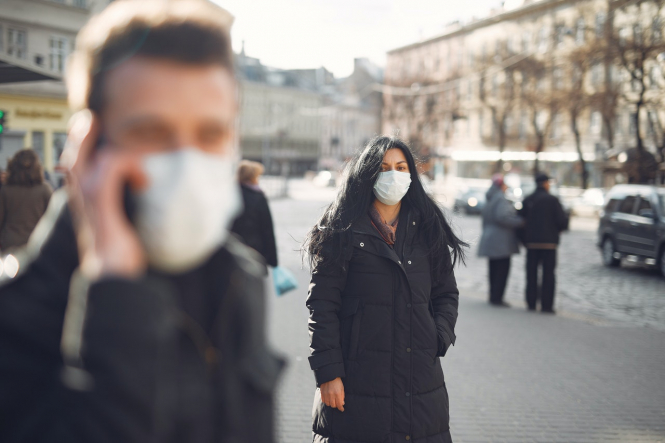 French doctor: People should wear mask 'all the time'