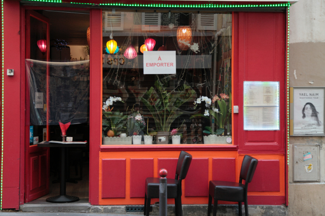 Restaurant closed during Covid lockdown. Restaurants in France waiting for January reopening