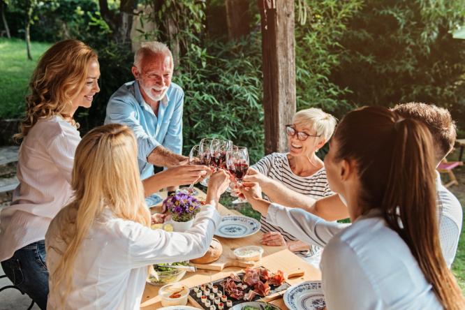 Covid France: Boom in private garden rentals for alfresco events