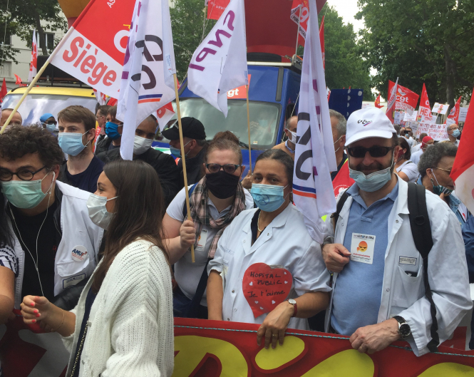 SNPI and other unions at the June 16 health demo in Paris. Photo by @infirmier-SNPI.