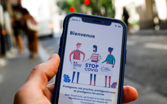 A screenshot of the StopCovid app in France. France is to release a 'more interactive' StopCovid app