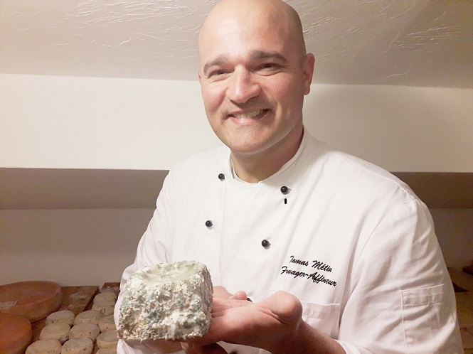 Thomas Metin with corsican cheese
