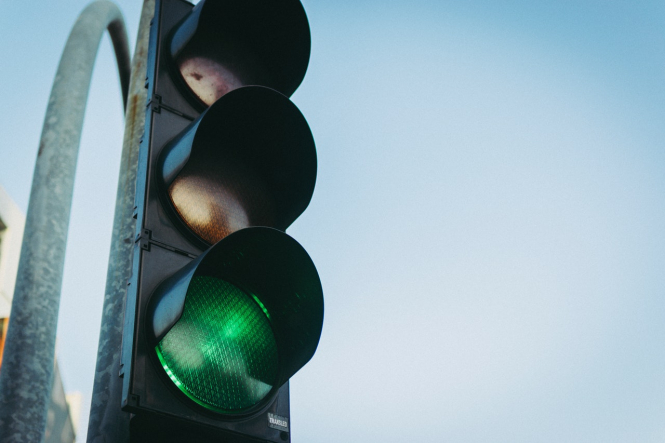 A set of traffic lights. France to use traffic light system for foreign travel 'by month end'