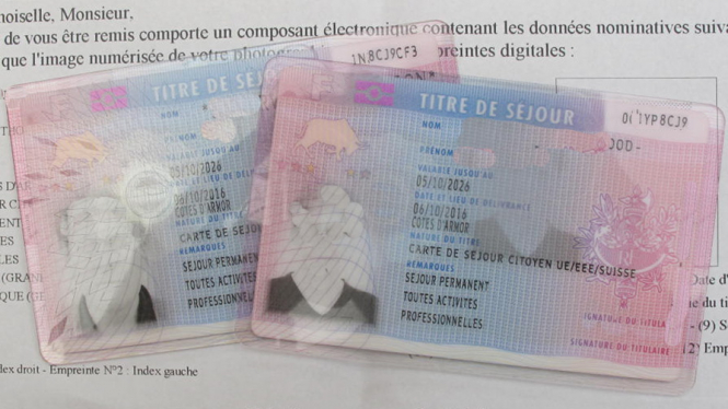 residency card rights for expats in Frnace