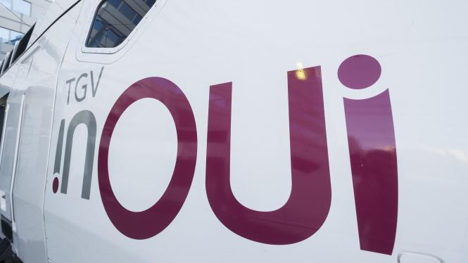 The new inOui logo on the side of a train