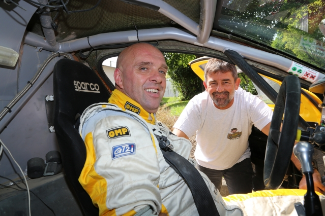 Philippe Crozion and trainer Yves Tartarin has assembled a team for the Dakar Rally in 2017. Croizon is aiming to complete the event regardless of his handicap