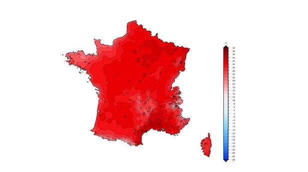 Map of France coloured red in heatwave